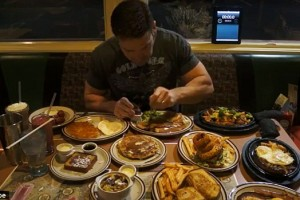 Denny's Patron Devours Entire Hobbit-themed Menu [VIDEO]