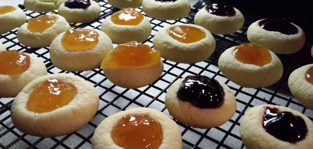 12 Days of Christmas Treats: Classic Thumbprint Cookies